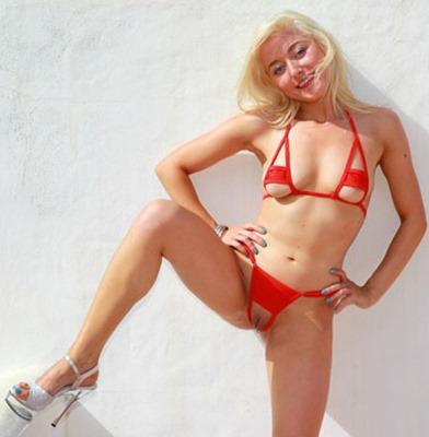 bikini-dare-lea-in-red-bikini