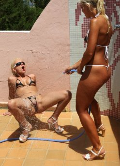 bikinidare galleries 10